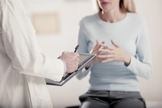 Девушка на консультации у гинеколога