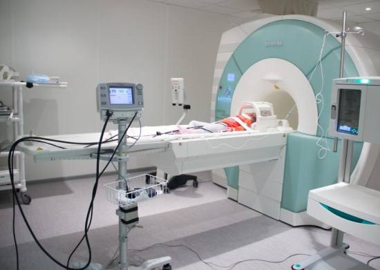 Магнитно-резонансная томография под общей анестезией
