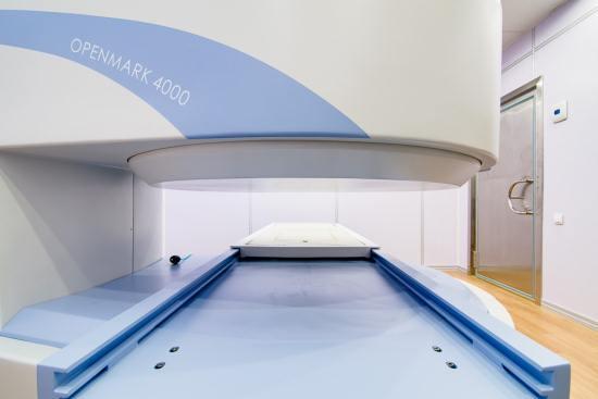 Магнитно-резонансный томограф с открытым контуром