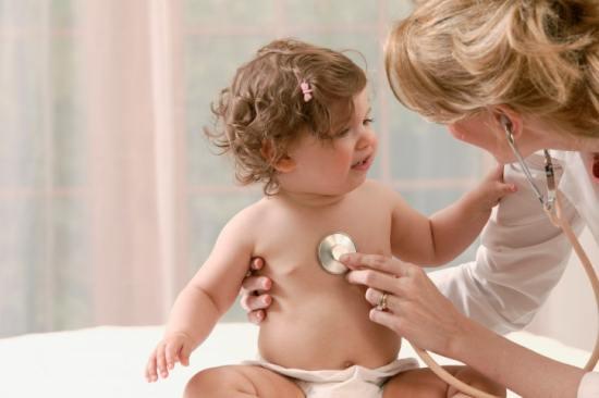 У детей достаточно часто обнаруживаются шумы в сердце