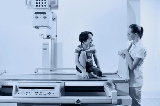 Ребенок в рентген-кабинете