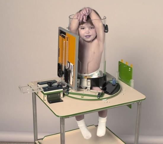 Устройство, фиксирующее ребенка в рентген-кабинете