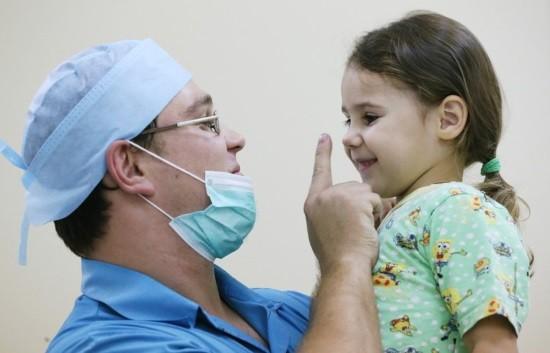 Эндоскопист и его маленькая пациентка