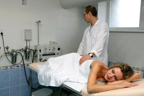 Промывание кишечника на специальной аппаратуре