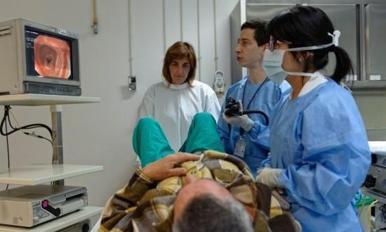 Во время колоноскопии возможно удалять полипы