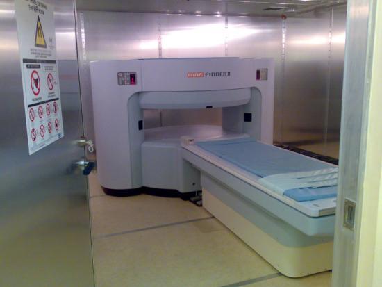 Магнитно-резонансный томограф открытого типа