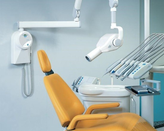 Стоматологический кабинет, оснащенный рентген-аппаратом
