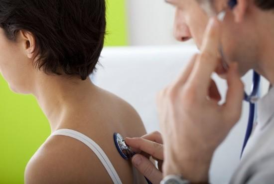 По показаниям врач может назначить рентгенографию легких