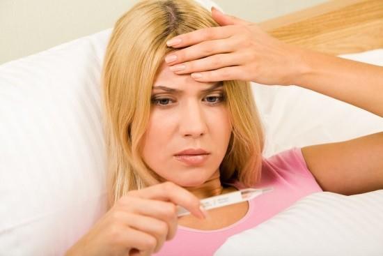 У женщины субфебрильная лихорадка
